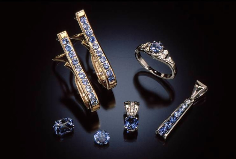Benitoite Jewelry in 14KT Gold
